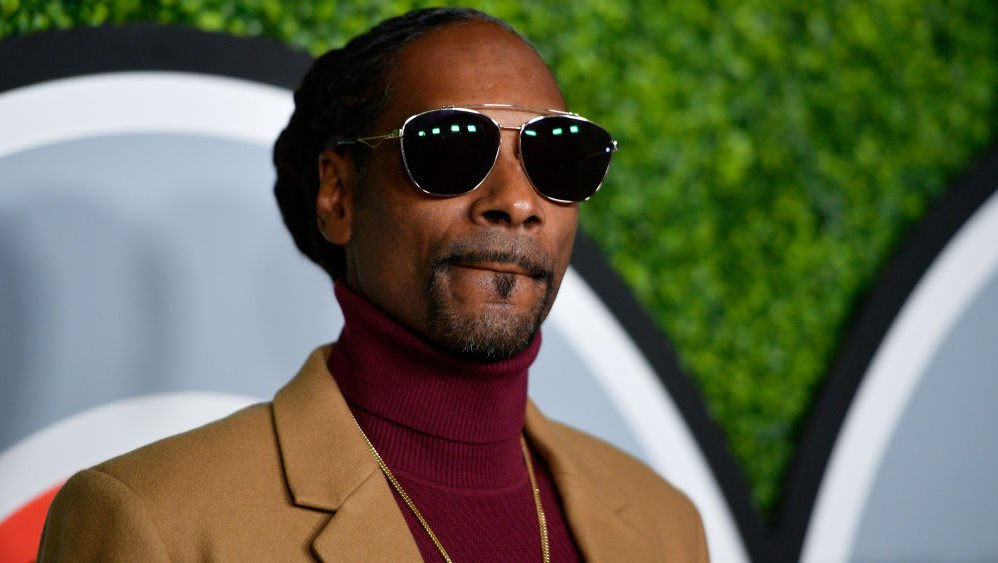 Confusion over Snoop's 'Lovers & Friends' lineup inspires Fyre Festival comparisons - TheGrio