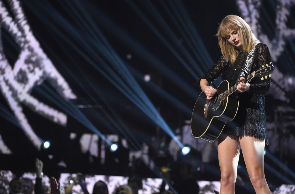 Taylor Swift releases country cover of Earth, Wind & Fire's 'September'