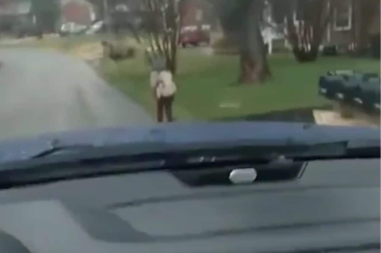 Virginia father forces son to run to school for bullying