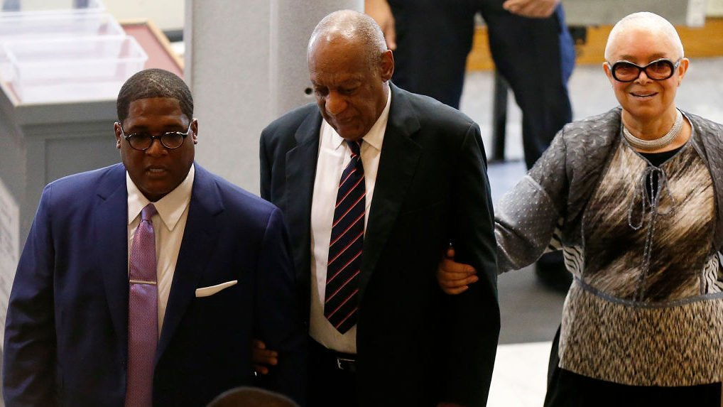 Cosby's wife wants probe of prosecutor