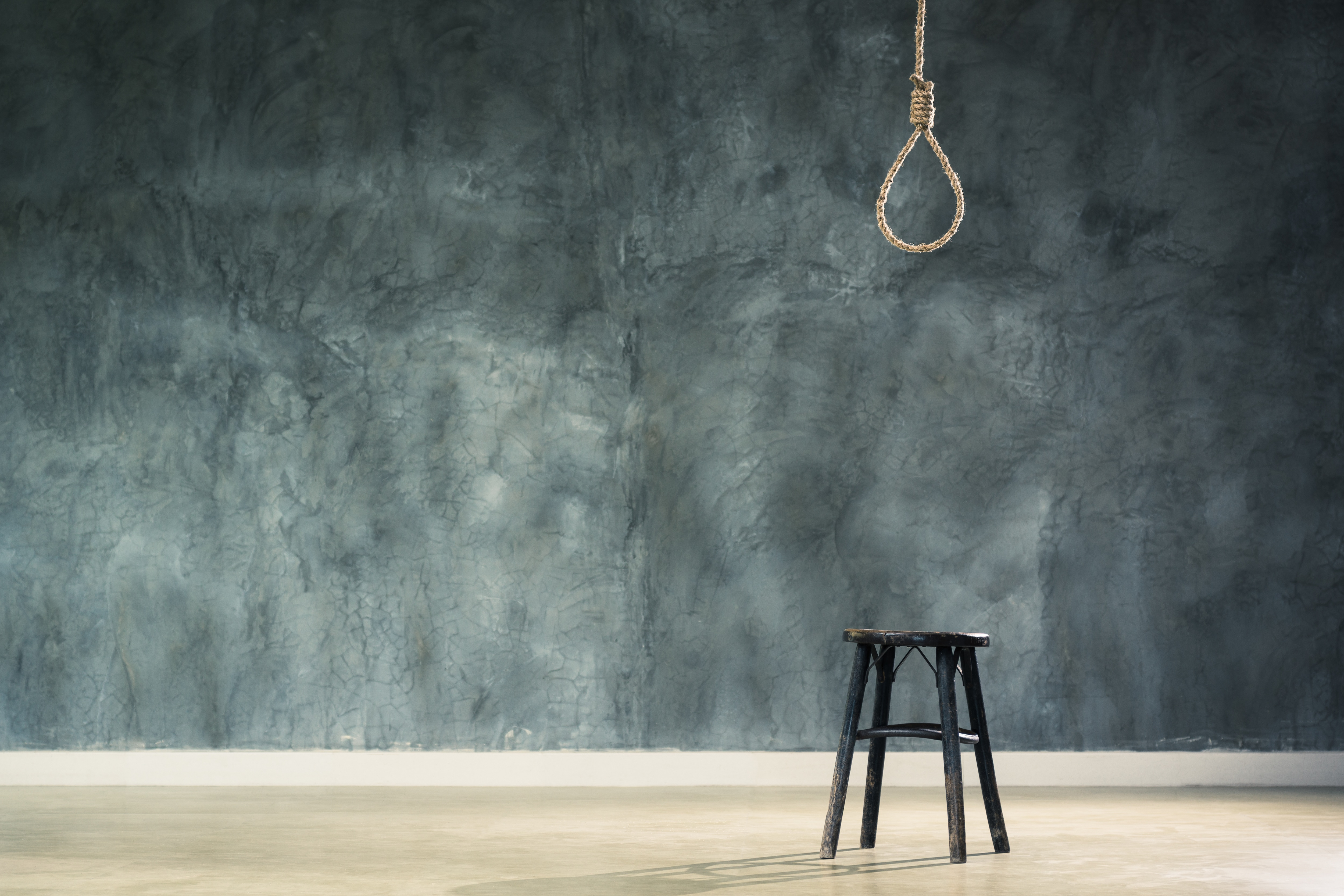 Long Island teachers place on leave for placing noose images in classroom