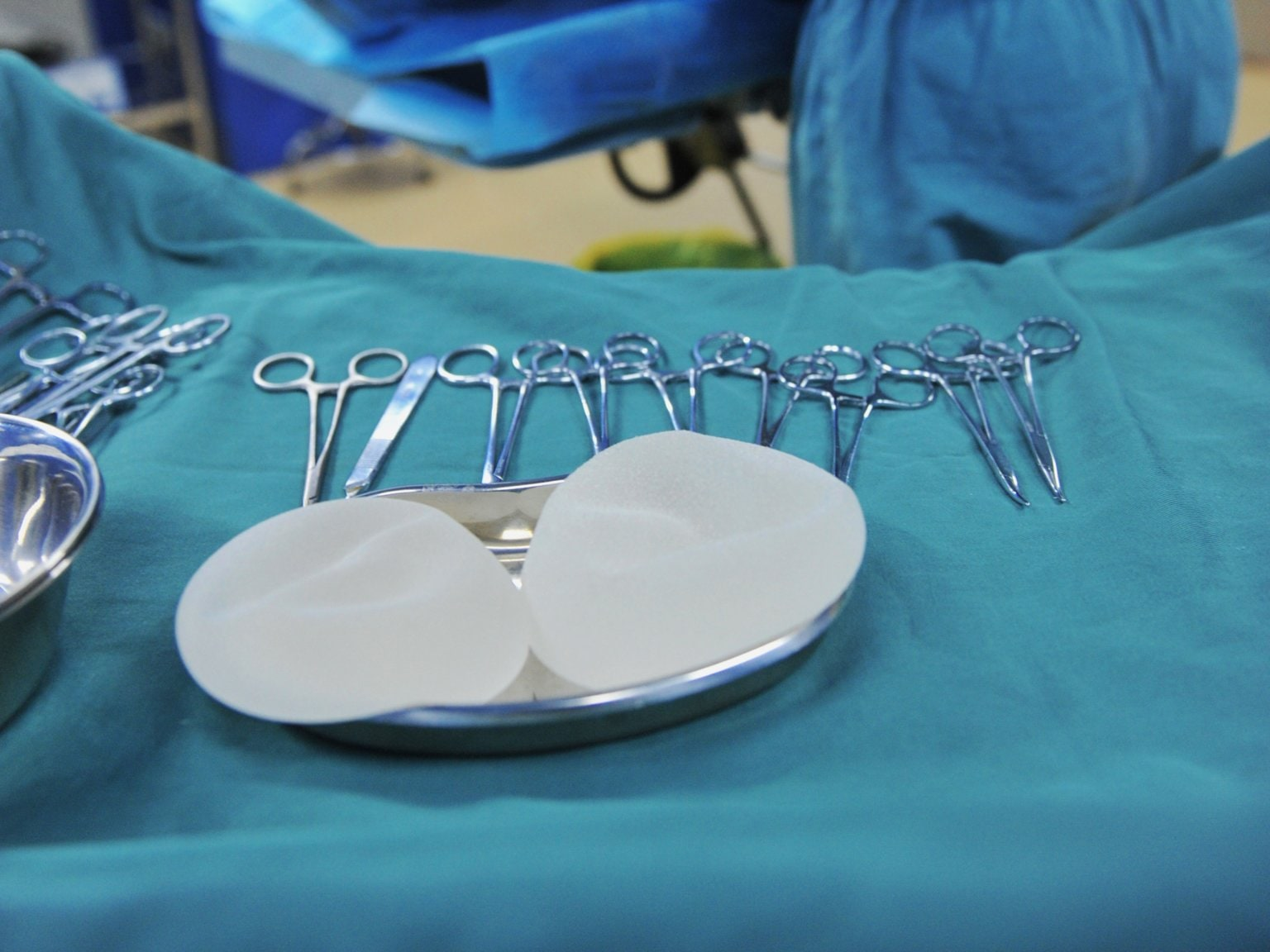 FDA reviews safety of Breast Implants after link to rare cancer raises concerns