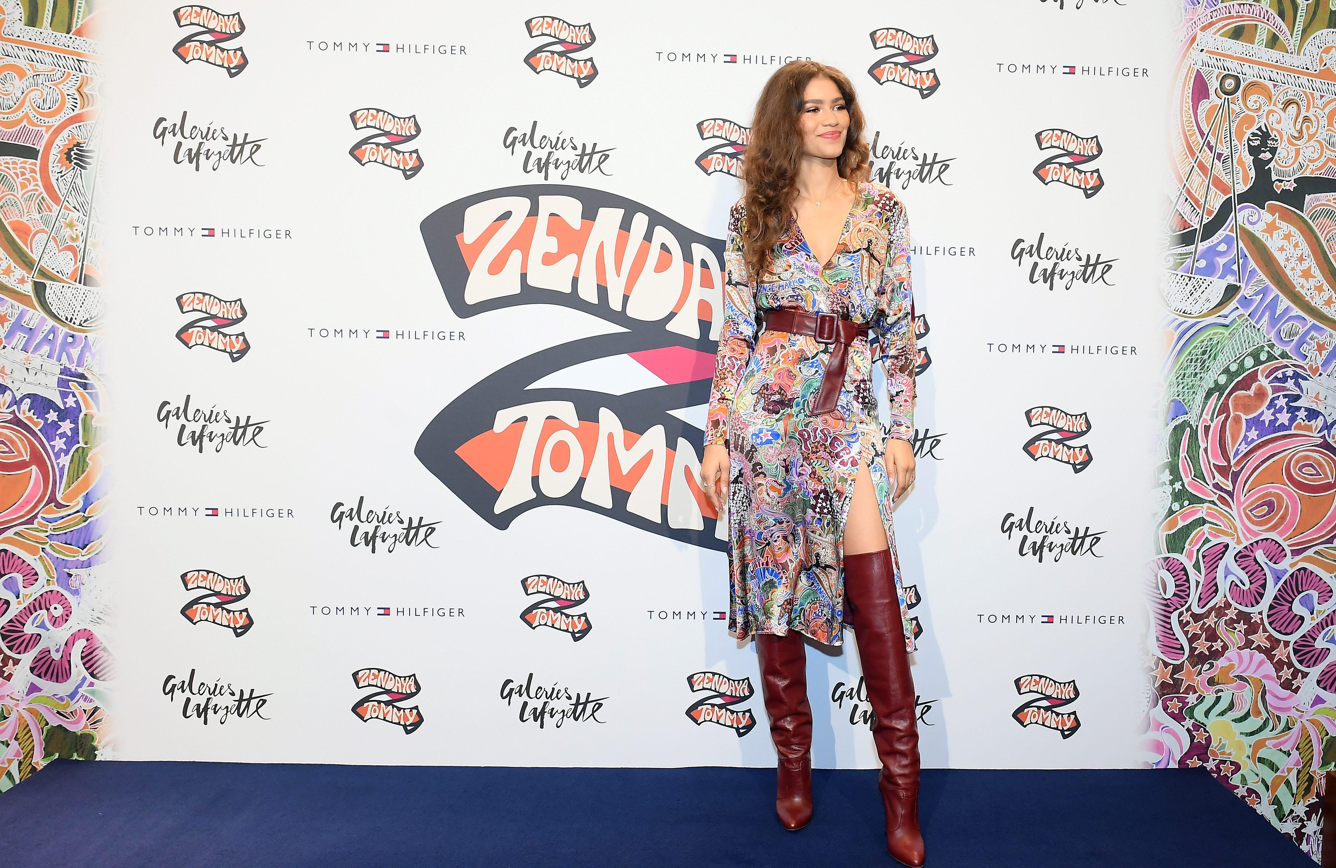 Zendaya S Tommy Hilfiger Line Has All Black Model Fashion Show In Paris