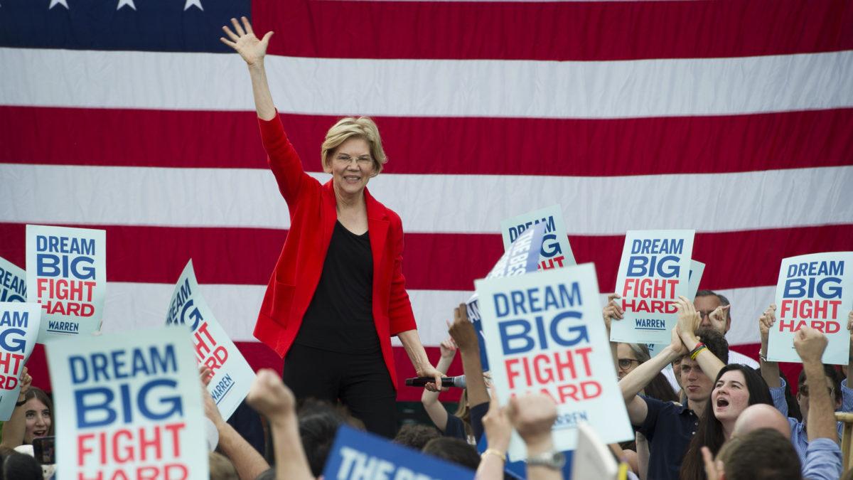 Elizabeth Warren building unlikely connection with Black women voters