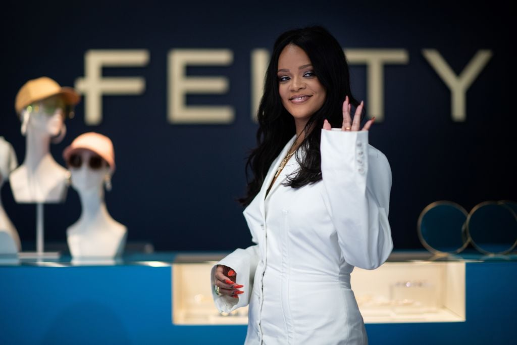 Rihanna cheered for using body positive curvy mannequins at Fenty pop-up shop