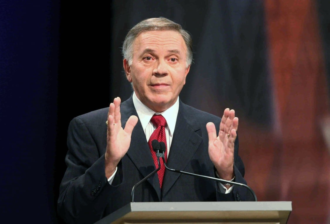 Mouth almighty pol Tom Tancredo makes 360-degree offensive remark about Biden 'transitioning' to 'half-black' woman