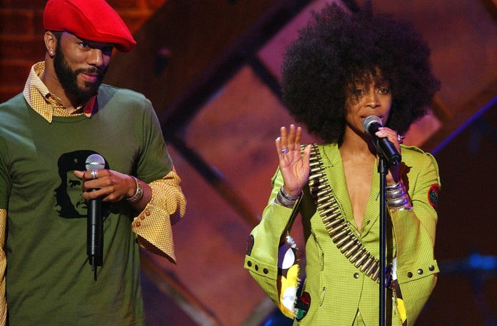 Common and Erykah Badu during 2003 Essence Awards - Show at The Kodak Theater in Los Angeles, California, United States. (Photo by M. Caulfield/WireImage for Essence Entertainment)