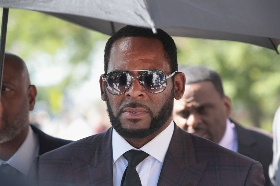 R. Kelly's attorney denies claims singer missed court because he refused to cooperate