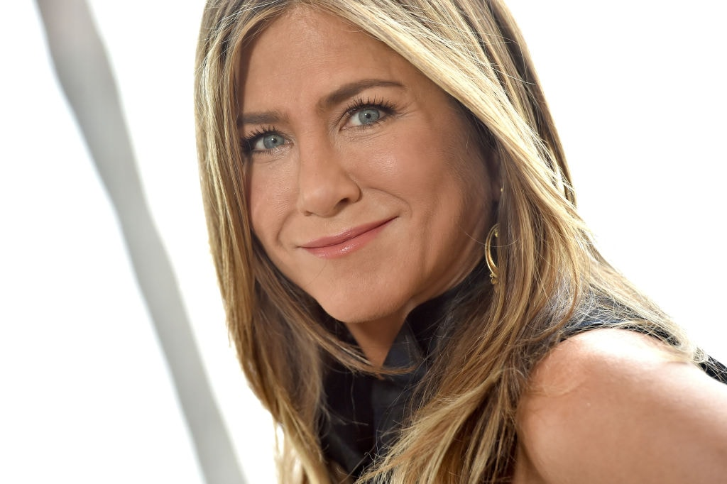 Black Twitter clowning Jennifer Aniston's 'dark' Instyle magazine cover is the laugh you need today