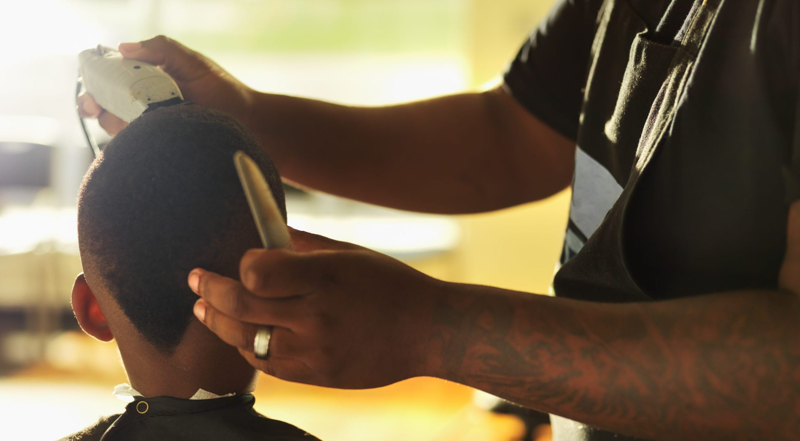 Principal cuts hair of middle schooler embarrassed about haircut – TheGrio