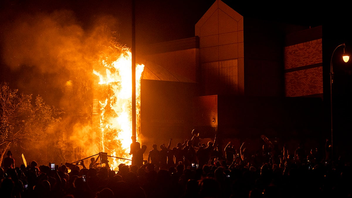 Minneapolis police station set afire during George Floyd protests
