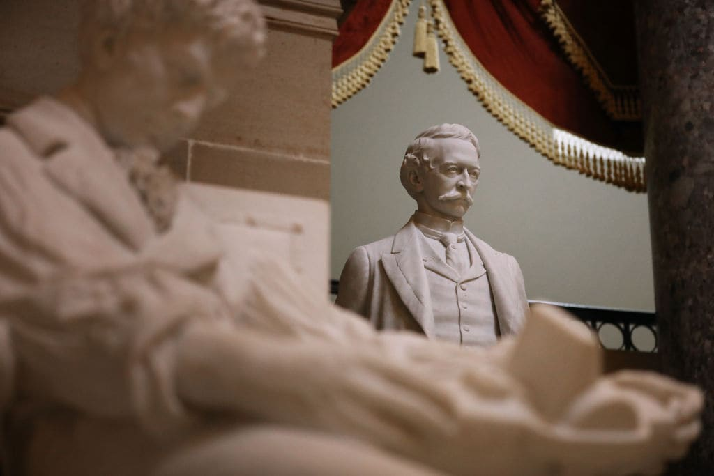 House of Representatives votes to remove Confederate statues