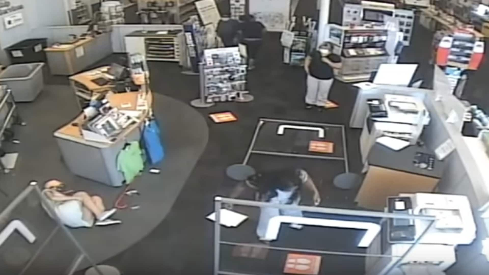 Customer throws woman, breaks her leg after being told to wear mask