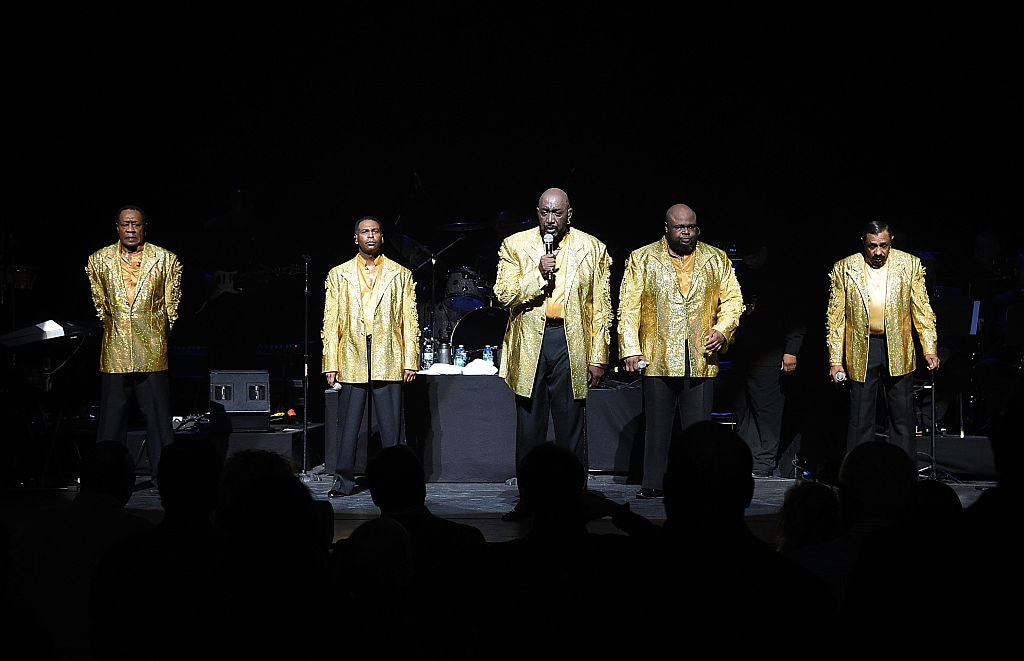 """The Temptations And The Four Tops On Broadway"" - Curtain Call"