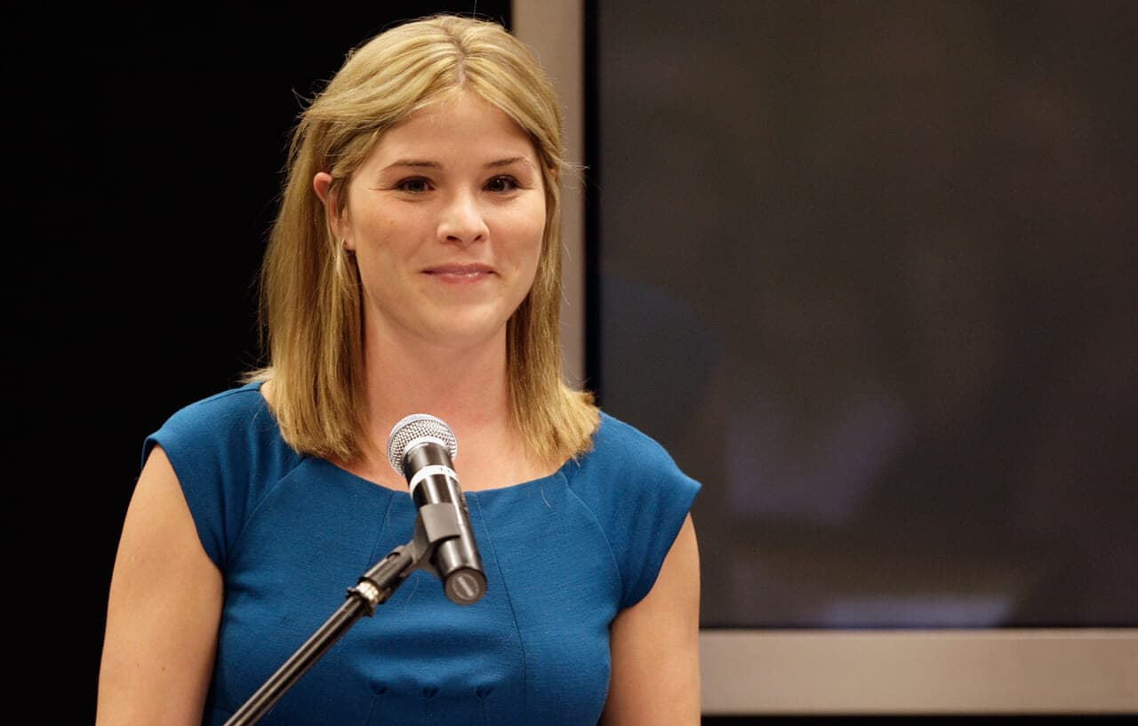 Jenna Bush Hager reflects on giving Obama daughters White House tour