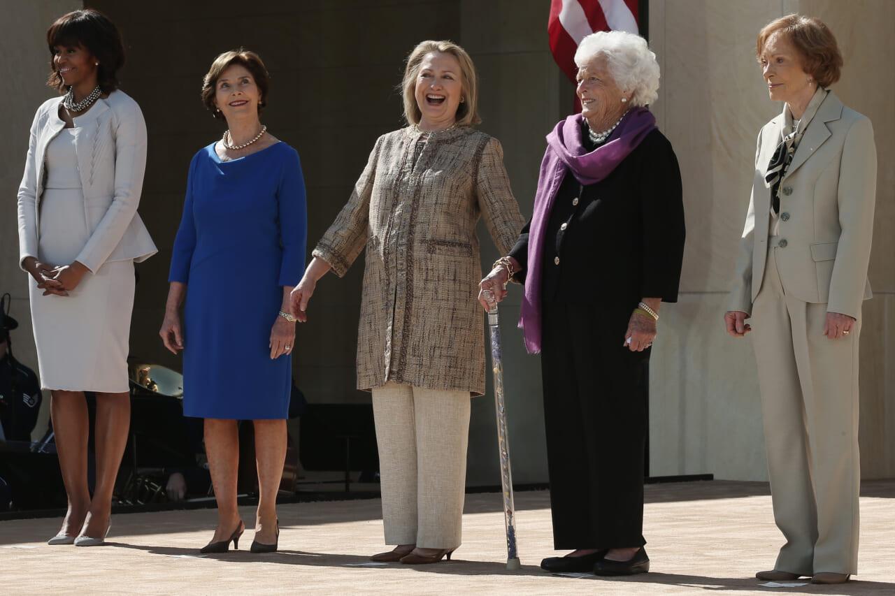 Hillary Clinton shares photos of FLOTUS transition as Melania has yet to reach out to Jill Biden - TheGrio