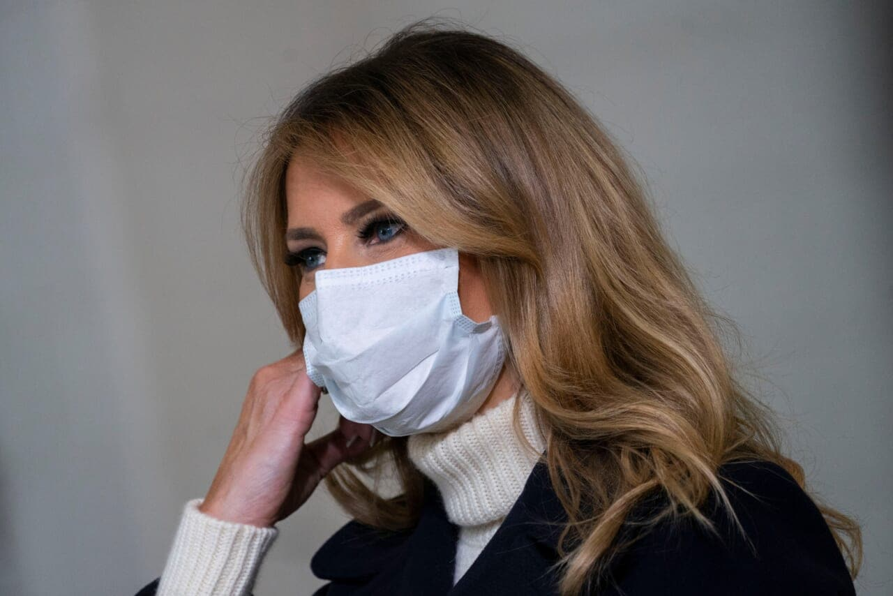 Melania Trump breaks virus protocol at children's hospital by removing mask