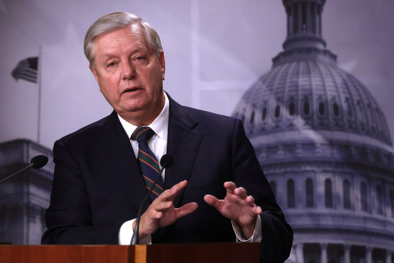 Sen. Lindsey Graham taunted by Trump supporters at airport - TheGrio