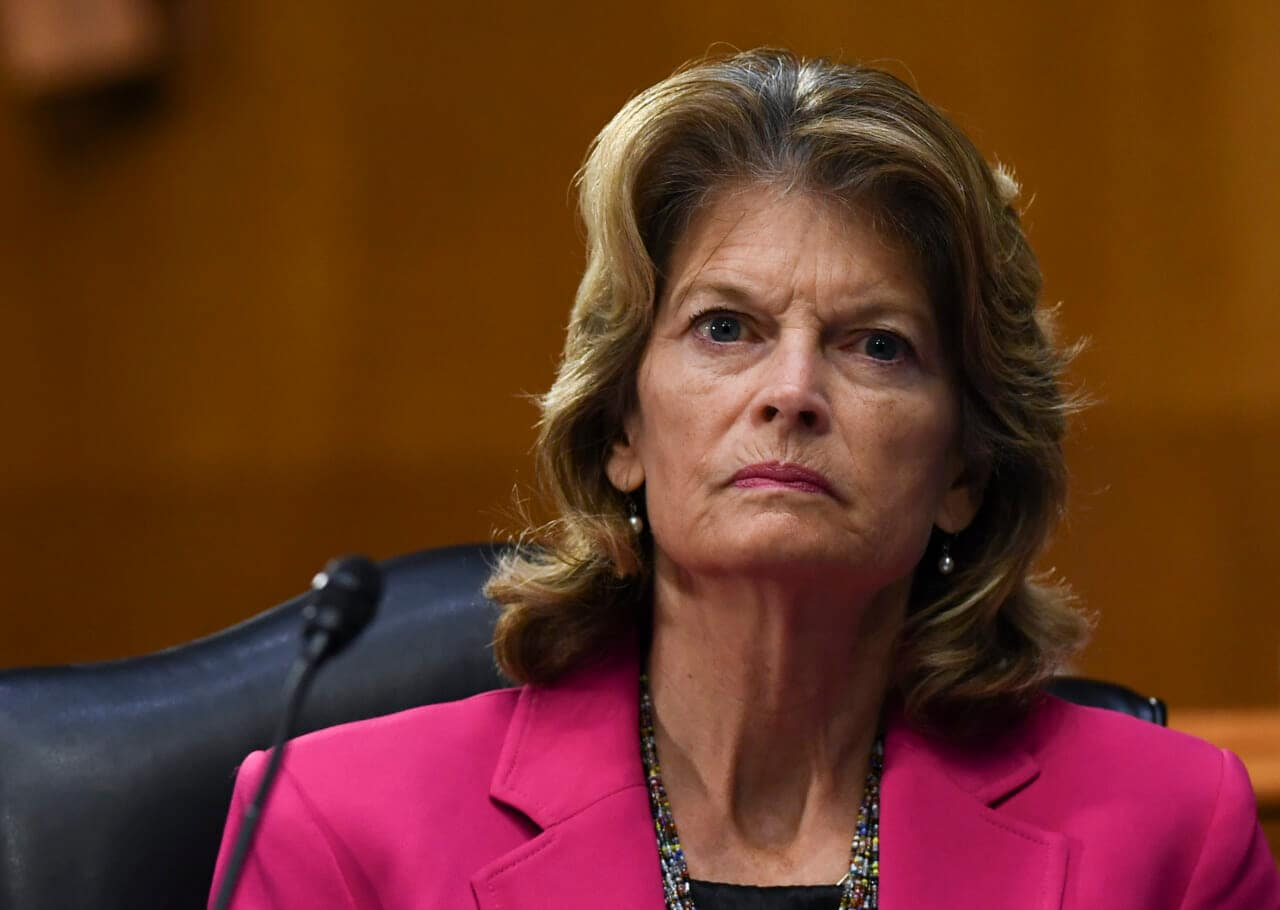 Republican Senator Lisa Murkowski calls for Trump's resignation - TheGrio