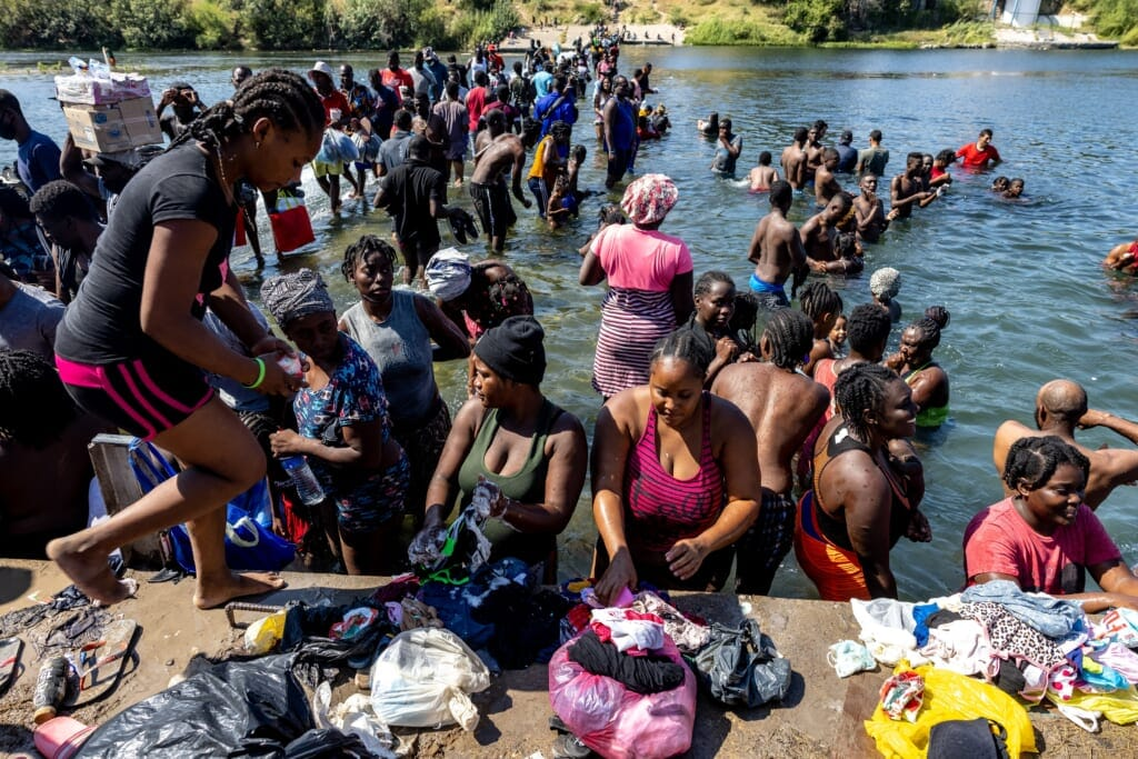 Migrants Del Rio Texas thegrio.com